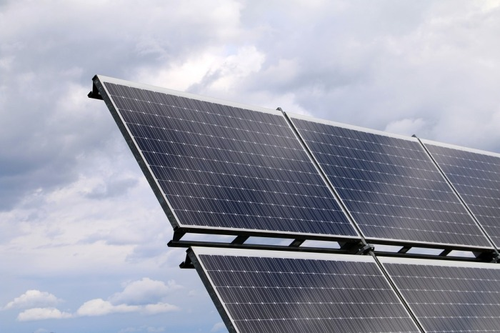photovoltaic-2799982_960_720
